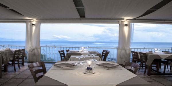Il ristorante Al faro di Marechiaro a Napoli