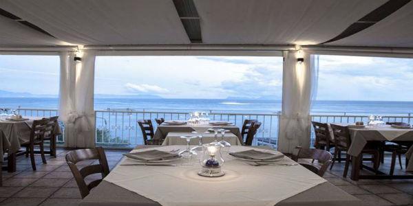 Il Ristorante Al Faro di Marechiaro, Pasquetta giro in barca e aperitivo