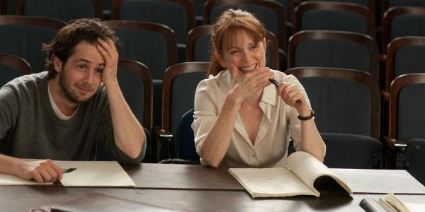 Una scena del film The english teacher con Julianne Moore