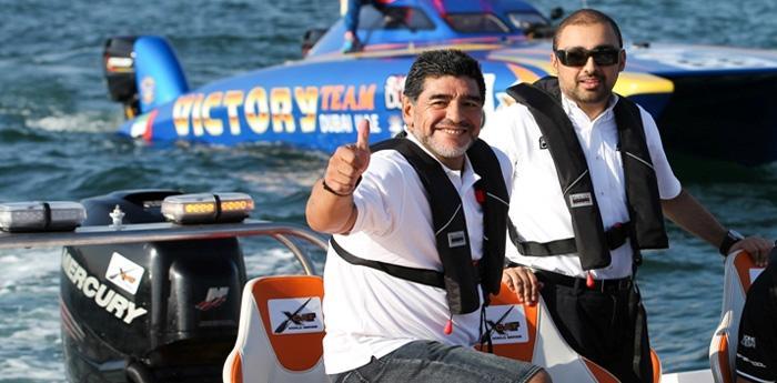 maradona alla tappa di napoli del Mondiale XCat Offshore di Skydive 2014