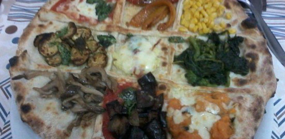 The pizza of the Pellone pizzeria in Naples