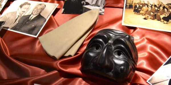 Oggetti di scena e costumi delle commedie di Eduardo De Filippo