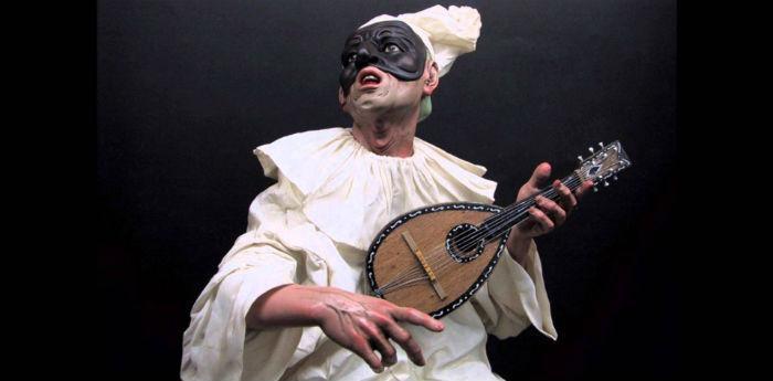 Pulcinella, la celebre maschera napoletana, sfilata ad Acerra