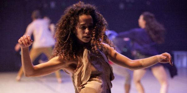 Lo spettacolo Reshimo della Vertigo Dance Company al Napoli Teatro Festival