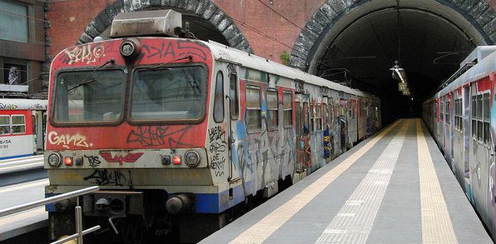 La Cumana nella stazione Montesanto a Napoli