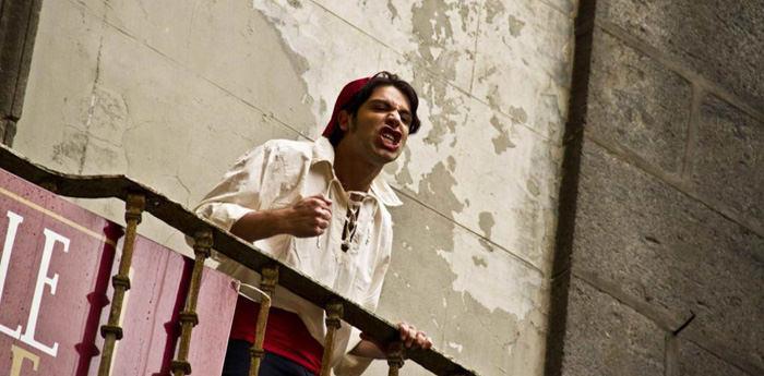 un attore interpreta Napoli, fantasmi ed altre storie