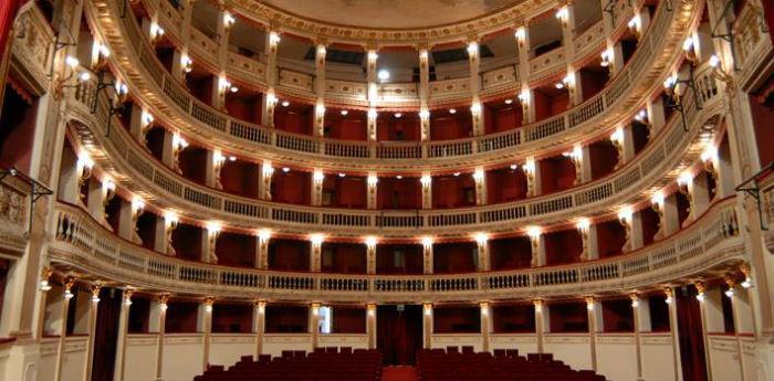 Il Teatro Mercadante di Napoli