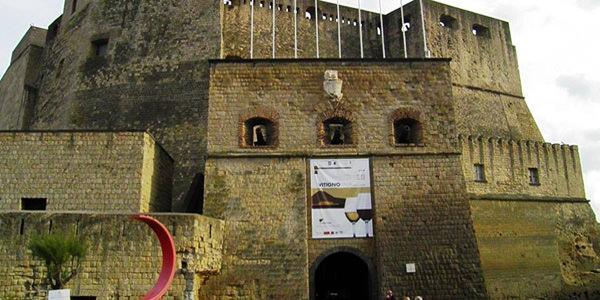ingresso vitignoitalia a castel dell'ovo