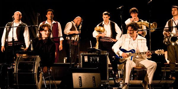 Goran Bregovic a la Wedding and Funeral Band