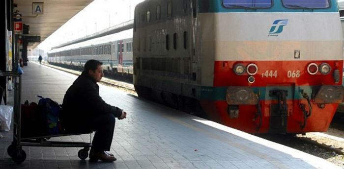 Treni in sciopero a Napoli