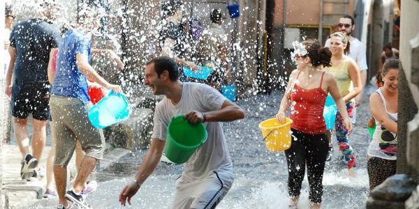 A' Chiena, la Fetsa dell'acqua a Campagna