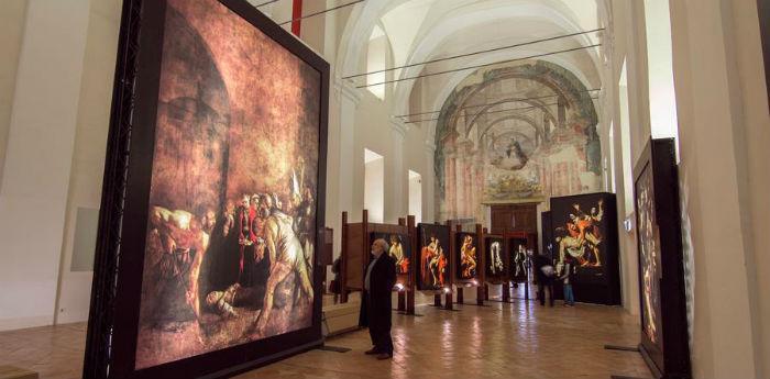 Una delle sale di Una Mostra Impossibile a San Domenico Maggiore