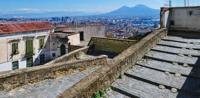 Scale della Pedamentina a Napoli