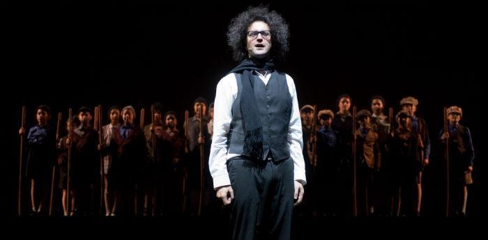 Simone Cristicchi nel suo spettacolo Magazzino 18 al Teatro Bellini di Napoli