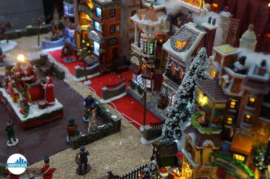 Addobbi Natalizi Gloria Giugliano.Il Villaggio Di Natale Di Gloria Giugliano In Campania Napoli 2014 15