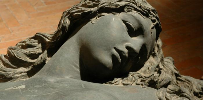 Una delle sculture della mostra Il Bello o il Vero