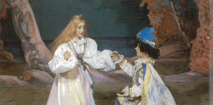 Lo versione di Eduardo de La Tempesta con marionette