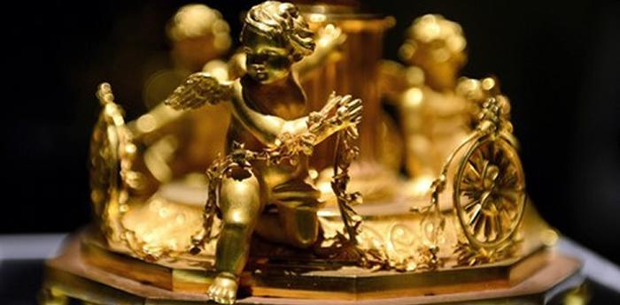 Oggeto in oro del Tesoro di San Gennaro