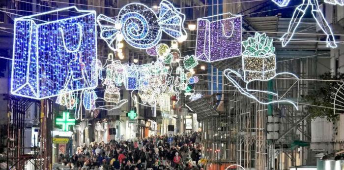 Corso Umberto a Napoli, shopping Natale