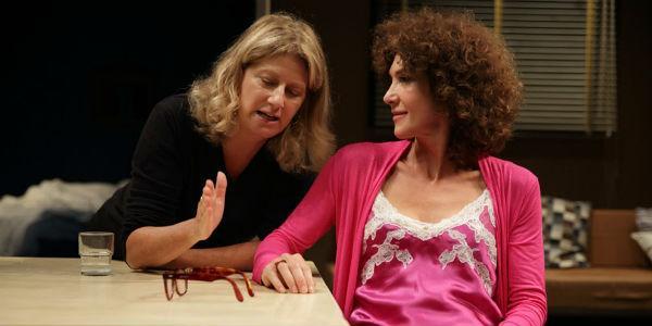 Maria Amelia Monti e Angela Finocchiaro in La Scena al Teatro Diana