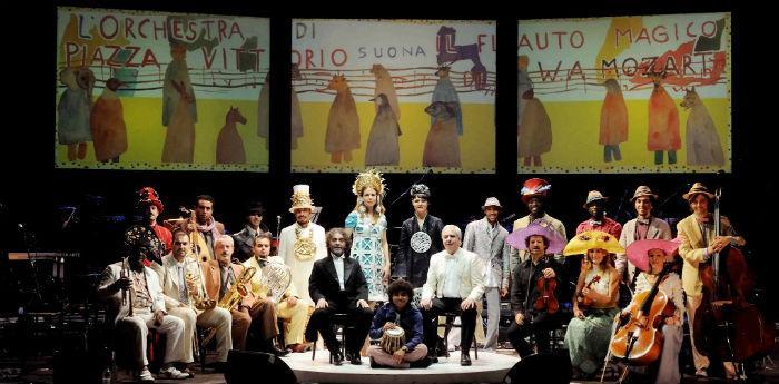 L'Orchestra di Piazza Vittorio ne Il Flauto Magico al Teatro Bellini di Napoli