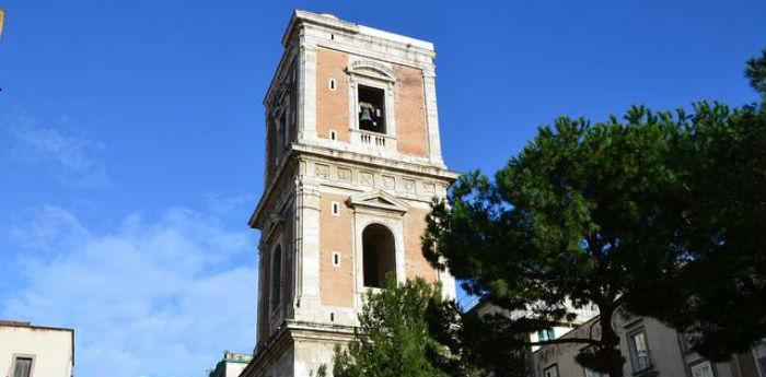 Il campanile della Chiesa di Santa Chiara a Napoli