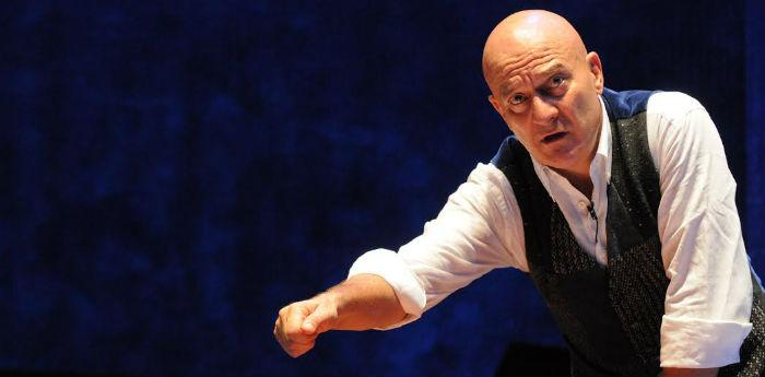 Claudio Bisio al Teatro Bellini di Napoli in Father and Son