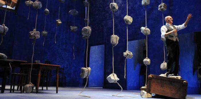 Claudio Bisio nello spettacolo Father and Son al Teatro Bellini di Napoli