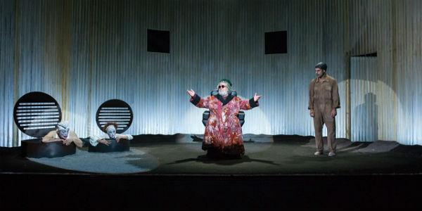 Lello Arena in Finale di Partita al Teatro San Ferdinando