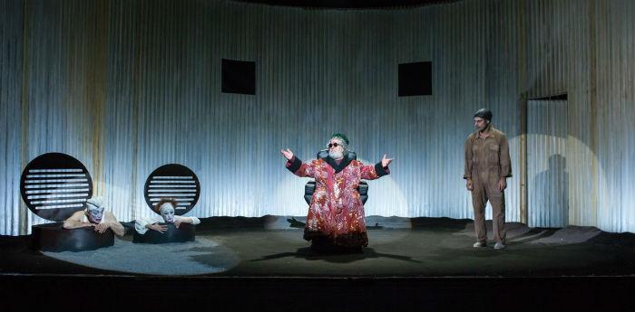 Lello Arena nello spettacolo Finale di Partita al Teatro San Ferdinando di Napoli