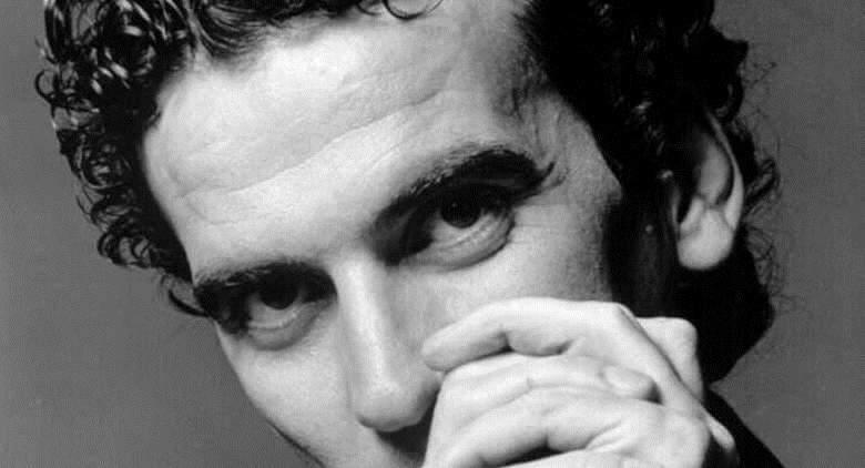 L'attore e regista napoletano Massimo Troisi
