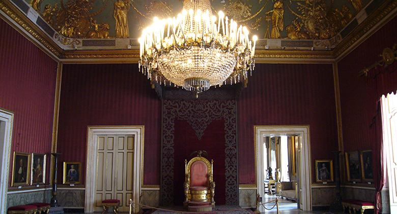 Sala del Trono del Palazzo Reale di Napoli