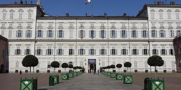 palazzo-reale portici