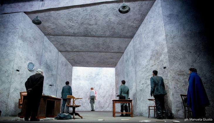 Una pura formalità al Teatro Bellini di Napoli