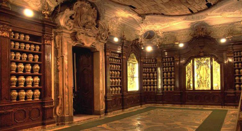 Farmacia degli Incurabili a Napoli