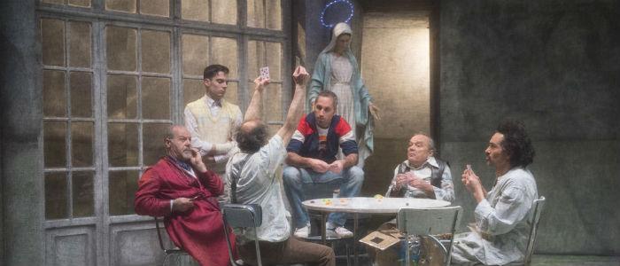 Una cena dello spettacolo di Gassmann Qualcuno volò sul nido del cuculo
