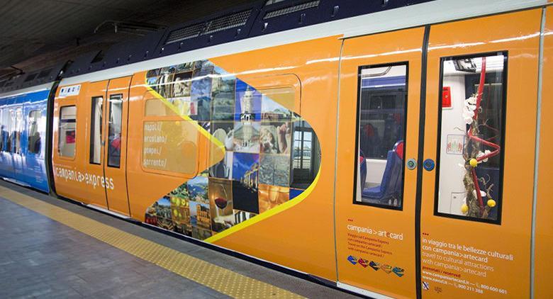 Il treno Campania Express che collegherà Napoli a Sorrento