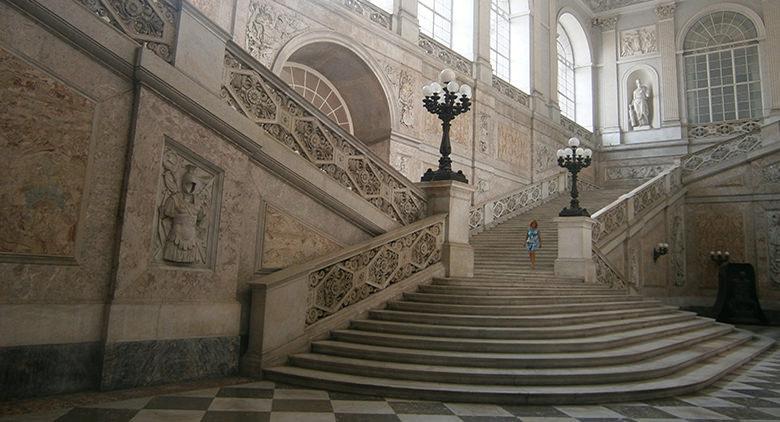 Scalone del Palazzo Reale di Napoli a Piazza Plebiscito