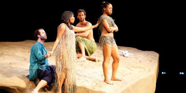 Una scena dello spettacolo L'isola disabitata al Teatro San Carlo