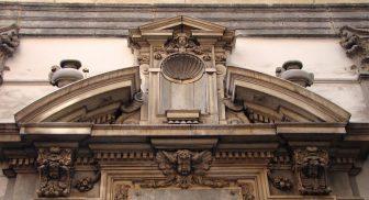 Facciata esterna della Chiesa di Santa Maria della Pace a Napoli