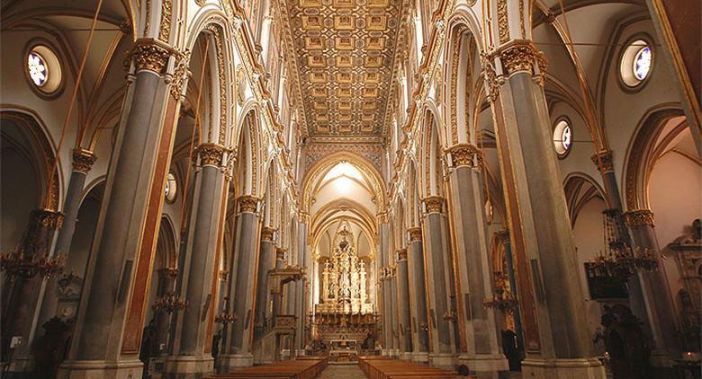 Interno della Chiesa di San Domenico Maggiore a Napoli