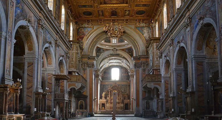 Interno della Chiesa di Santa Maria la Nova a Napoli