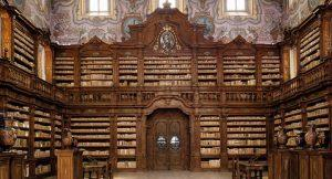 Bibliothèque du complexe Girolamini à Naples