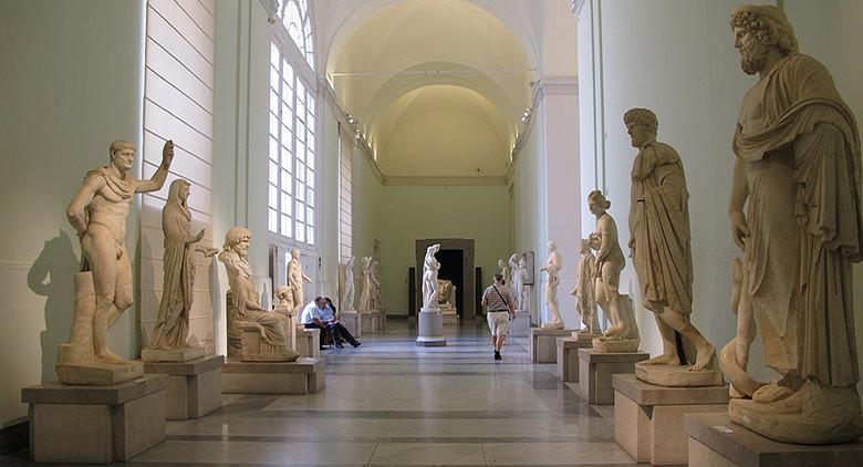Sala interna del Museo Archeologico Nazionale di Napoli