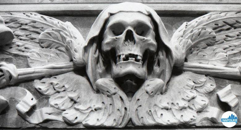Teschio dal complesso di Santa Maria delle Anime del Purgatorio ad Arco di Napoli