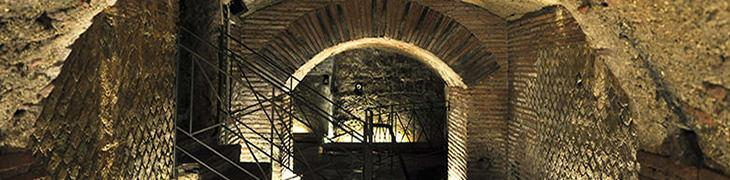Interno del Teatro Romano di Neapolis a Napoli