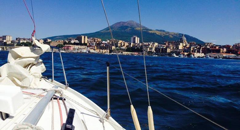 Visita Vesuvio in barca a vela