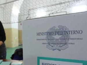 Crolla l'affluenza ai seggi in Campania del 10%