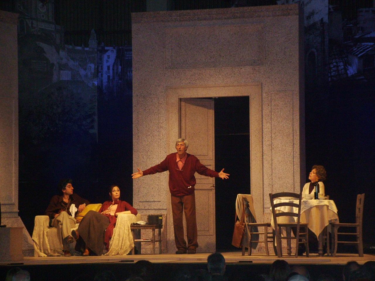 """Nando Paone al Teatro Cilea in """"Se ci amiamo non ci estinguiamo"""""""