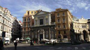 Piazza Trieste y Trento en Nápoles